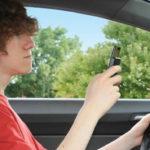 handphone berbahaya bagi pengendara